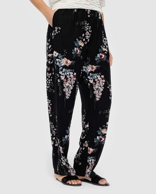 Todo sobre los pantalones plus size - pantalones estampados
