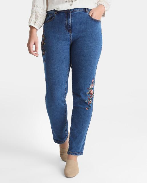 Moda vaquera para tallas grandes ¡en rebajas con Couchel! - jeans talla grande bordada