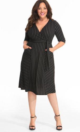 vestido raya diplomática-Descubre la moda talla grande de Kiyonna elegante y hermosa