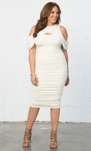 Descubre la moda talla grande de Kiyonna elegante y hermosa - vestido blanco