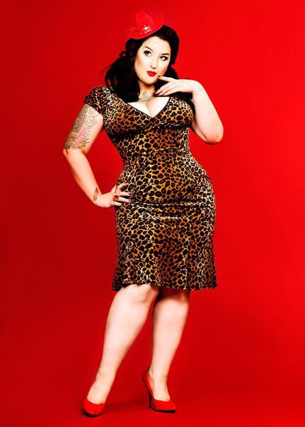 100% chica pin up plus size