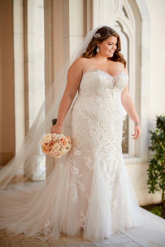 Modelos de vestidos de novias chicas talla grande